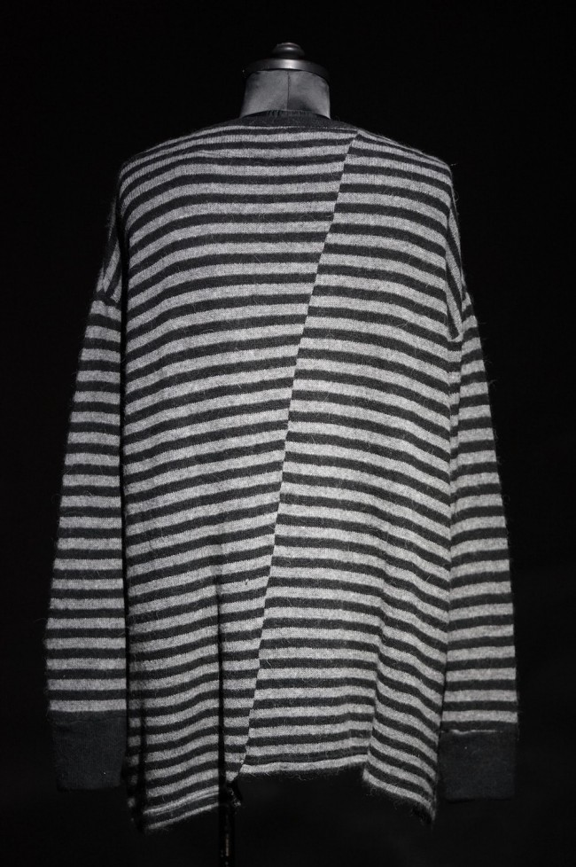 16W Striped asymmetry loose pullover  BLACK × CHARCOAL GRAY
