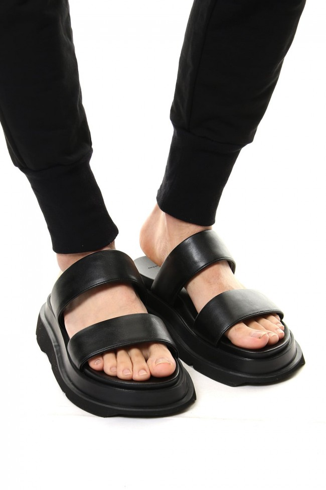 OVERLAYING BAND SANDALS