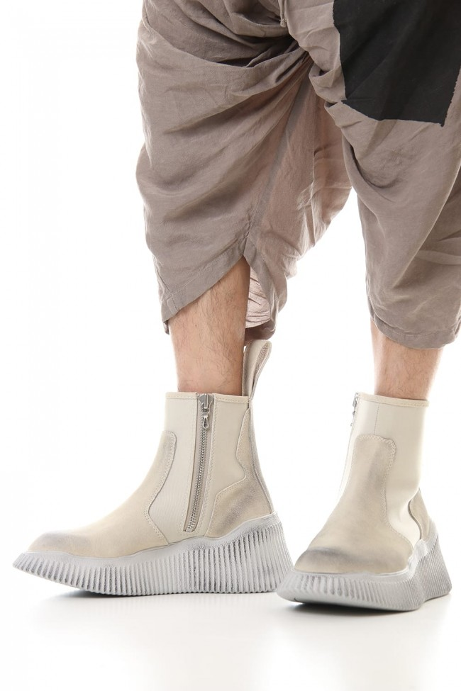 Side zip engineer boots