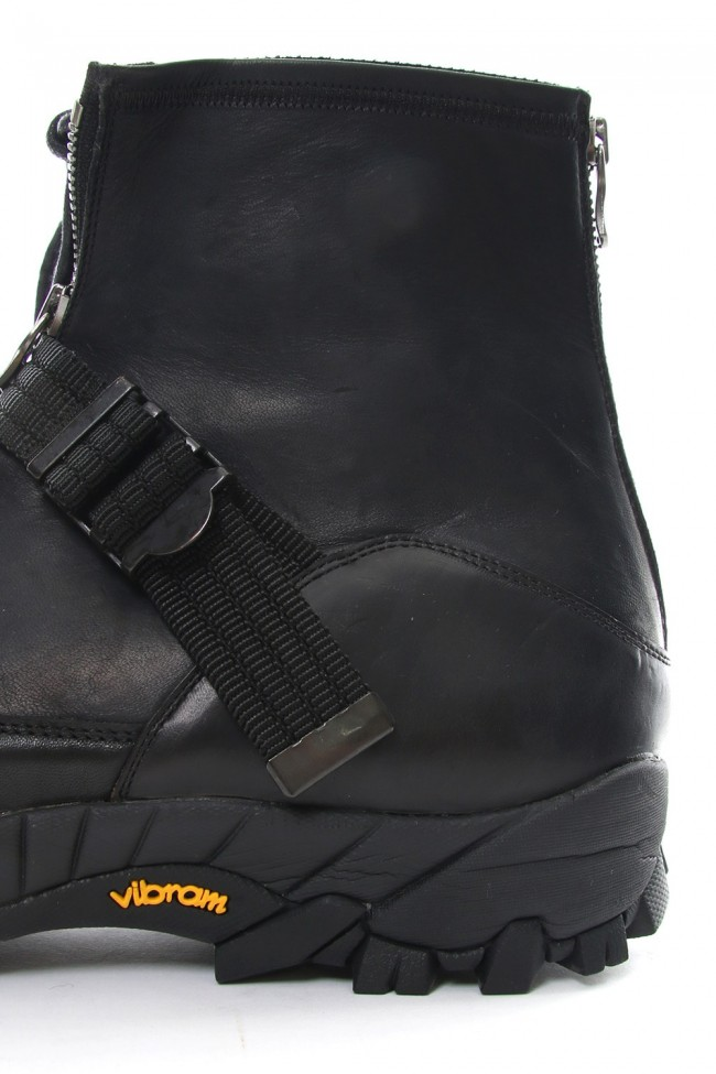 Stretch leather layered boots