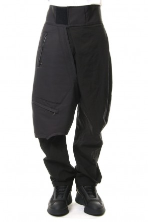 JULIUS 19SS COMBINATION TUCKED BAGGY PANTS