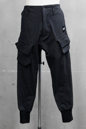JULIUS 20PS CARGO TRACK PANTS Black