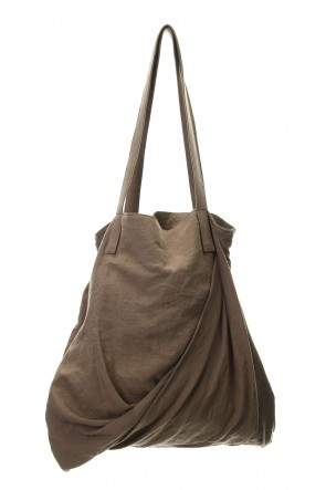 JULIUS 20SS TWIST TOTE BAG Dust