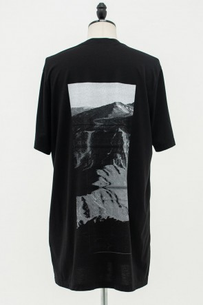 JULIUS 20PF AVALANCHE BACK PRINT T-SHIRT