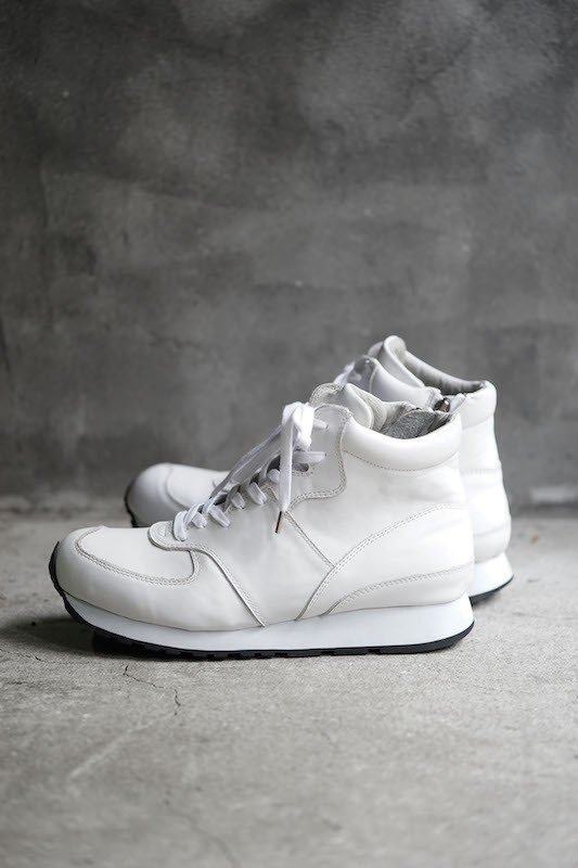 The Viridi-anne  16SS Mid Cut Sneakers WHITE