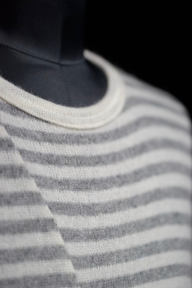 16W Striped asymmetry  loose pullover  WHITE × HEATHER GRAY