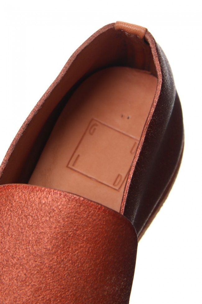 Calf Back Side Cated Slip on