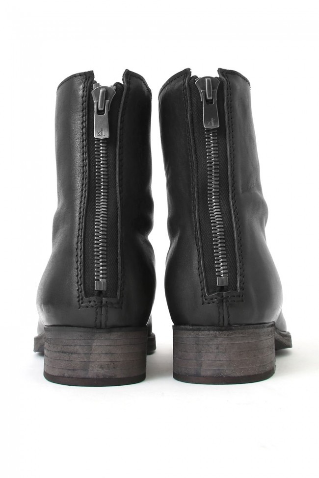 "17SS ""SPLIT"" zipping in Front and back split look boots"