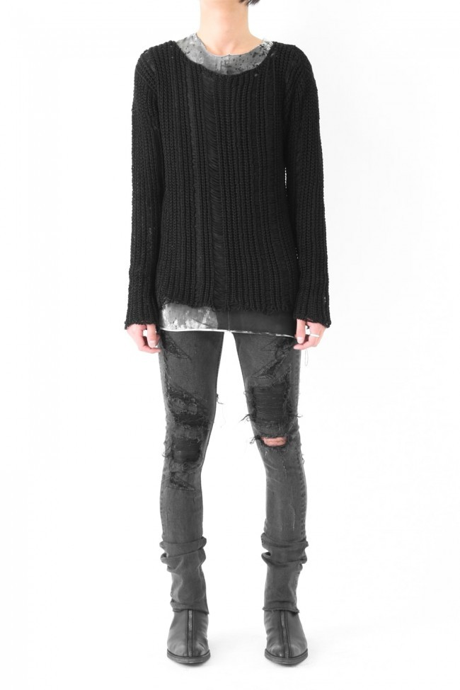 17SS Shark skin leather used as patched underneath distressed black skinny denim