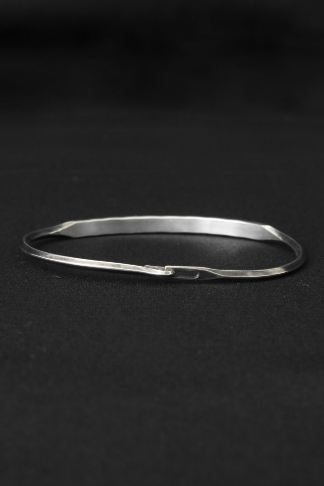 Tag Hook Bangle (TA)