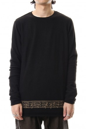 ZIGGY CHEN17-18AWEmbroidery Design Knit Tops