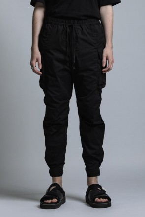 The Viridi-anne 21SS CORDURA NYLON COTTON Water Repellent Pull-Up Side Pocket Pants Black