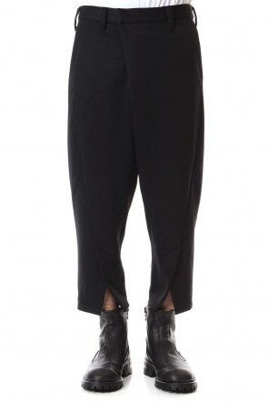 JULIUS 19-20AW CROPPED FRONT SLIT TROUSERS