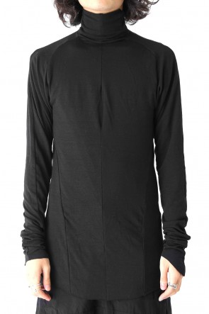 by H New York17-18AWHigh Neck Long Sleeve Top