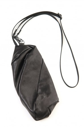 The Viridi-anne 20SS Lamb leather Neck pouch - Black