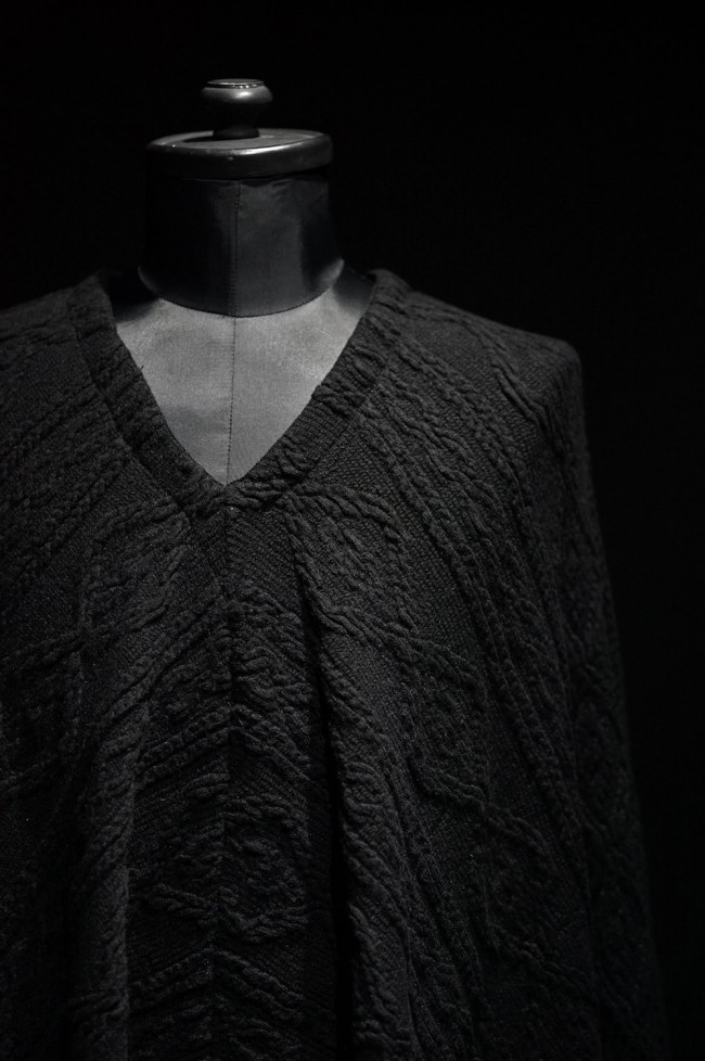 16AW Cable Knit Jacquard Poncho BLACK