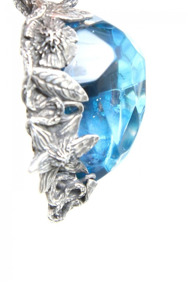 the WINTER male / Necklace Charm BLUE