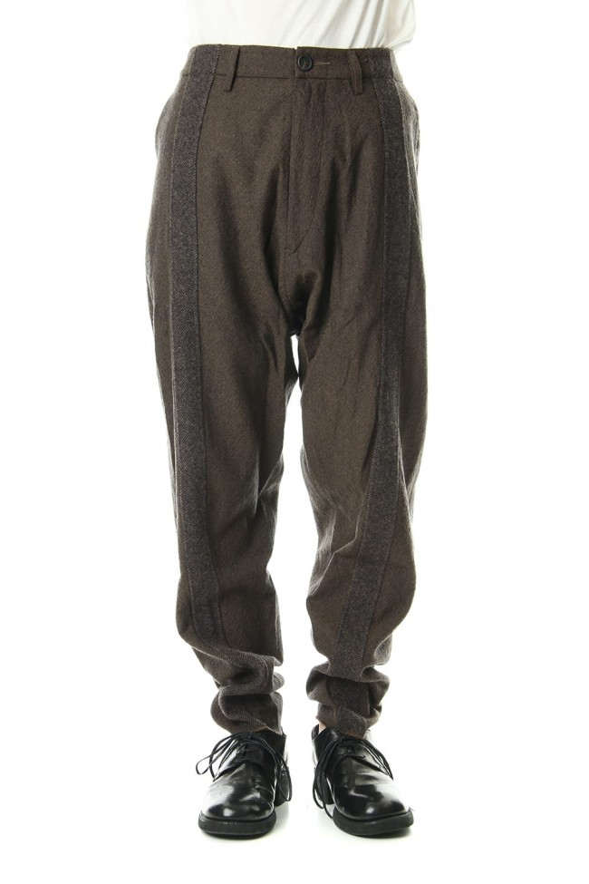 Line Tapered pants