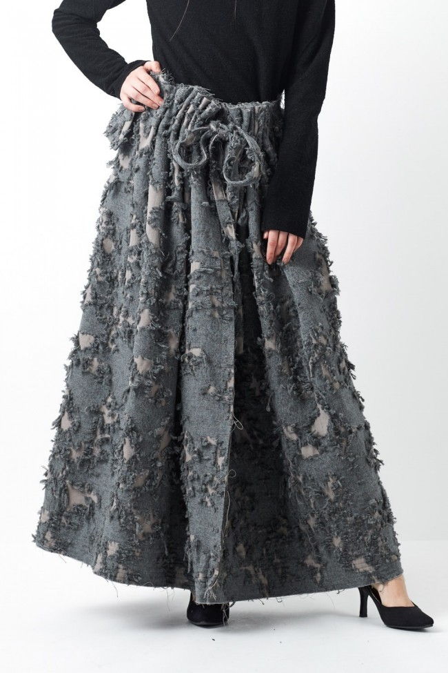 Layered Long Cut Jacquard Skirt - 08-S03