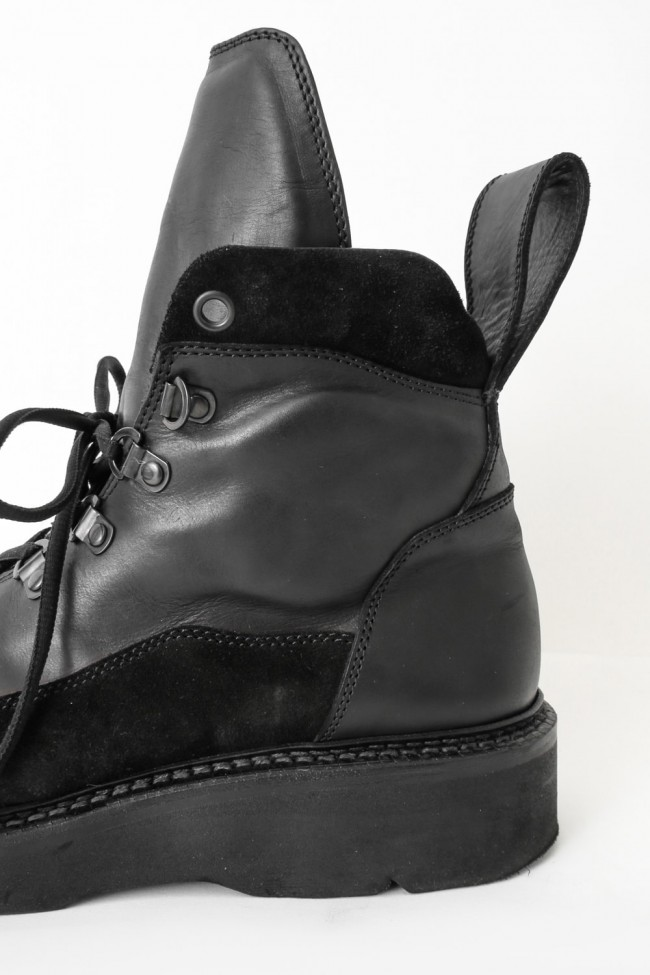 MOUNTAIN BOOTS