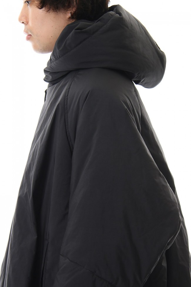 OVERTUCK PADDING HOODED COAT