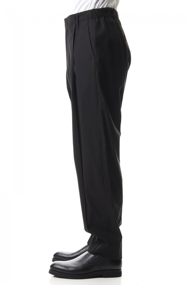 Pin Tuck Relax Pants