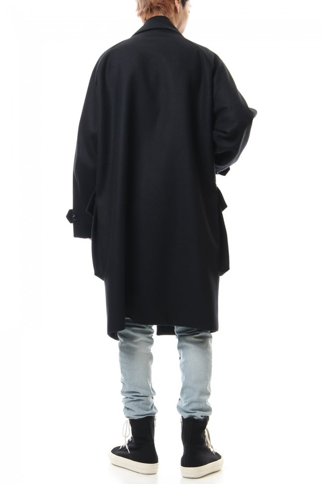 Raglan sleeve light melton coat