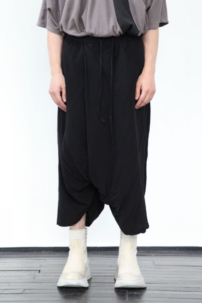 Wide cropped pants