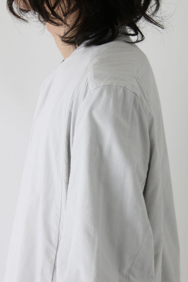SEAMED COLLARLESS SHIRT COAT