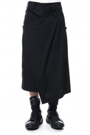 JULIUS 19PS ATTACHED SKIRT TROUSERS Black