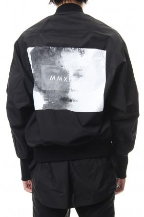 JULIUS 19SS PRINT MA-1 JACKET Black
