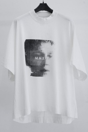 JULIUS 19SS PRINT KITE T-SHIRT Off