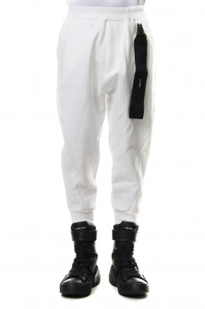 JULIUS19SSCROPPED EASY PANTS with KEY STRAP Off