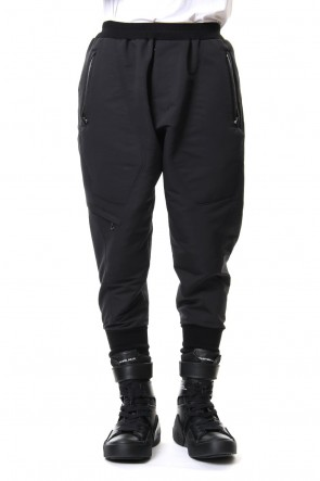 JULIUS 19SS MILITARY LEG POCKET CROPPED PANTS Black