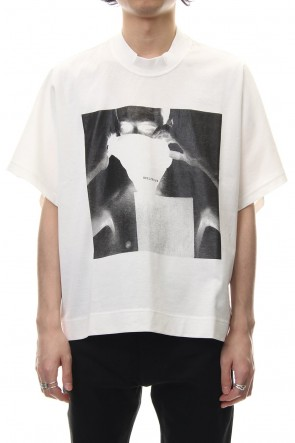 JULIUS 19SS PRINT KITE T-SHIRT White