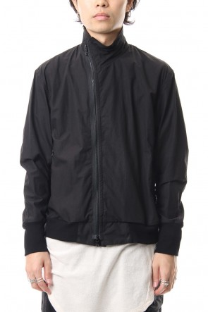JULIUS 19PF COVERED NECK JACKET Black