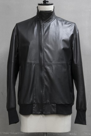 JULIUS 19PF COVERED NECK JACKET