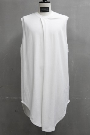 JULIUS 19PF TUCKED NO SLEEVE SHIRT White