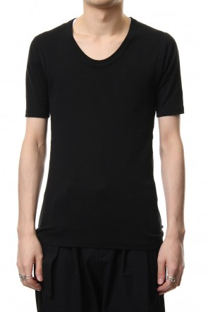 ATTACHMENT 19SS High tension milling U-neck half sleeve Black