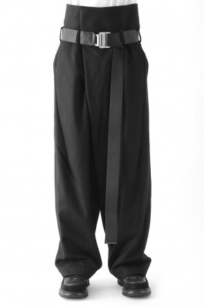 BAGGY COMER TROUSERS