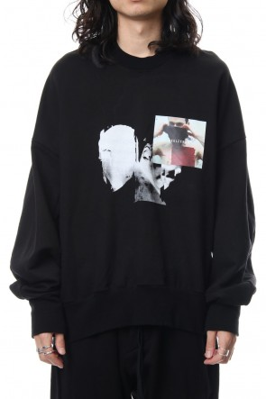 JULIUS 19SS PRINT SEAMED SLEEVE SWEATSHIRT