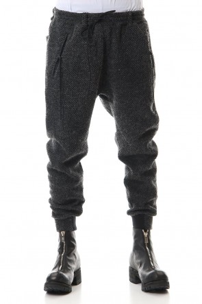 D.HYGEN 20-21AW Island wool Seed stitch Tapered pants