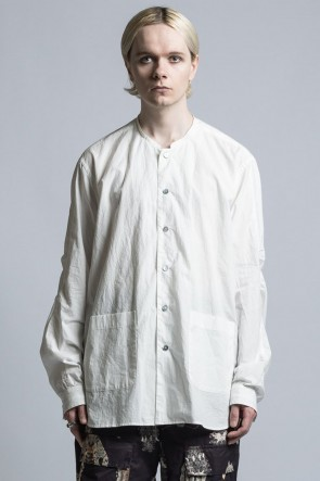 The Viridi-anne 21SS Typewriter Cross Collarless Shirt