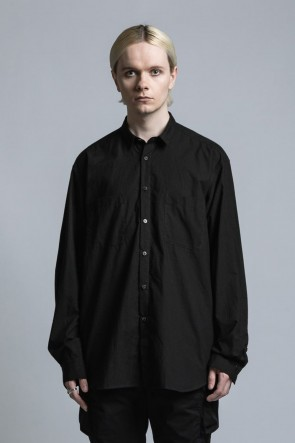 The Viridi-anne 21SS Typewriter Cross Shirt Black
