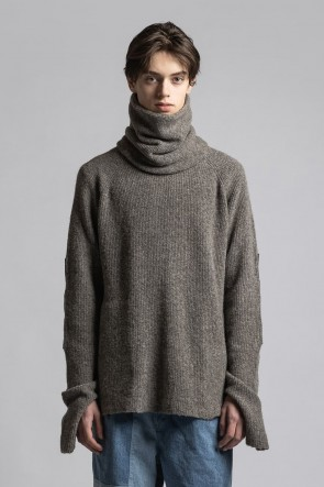 The Viridi-anne21-22AWKnit Pullover with Neck Warmer G.Beige