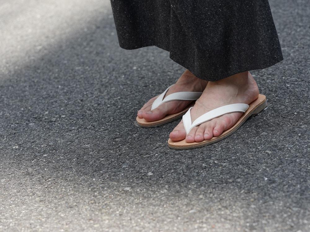 PETROSOLAUM - Leather Sandals White detail 02