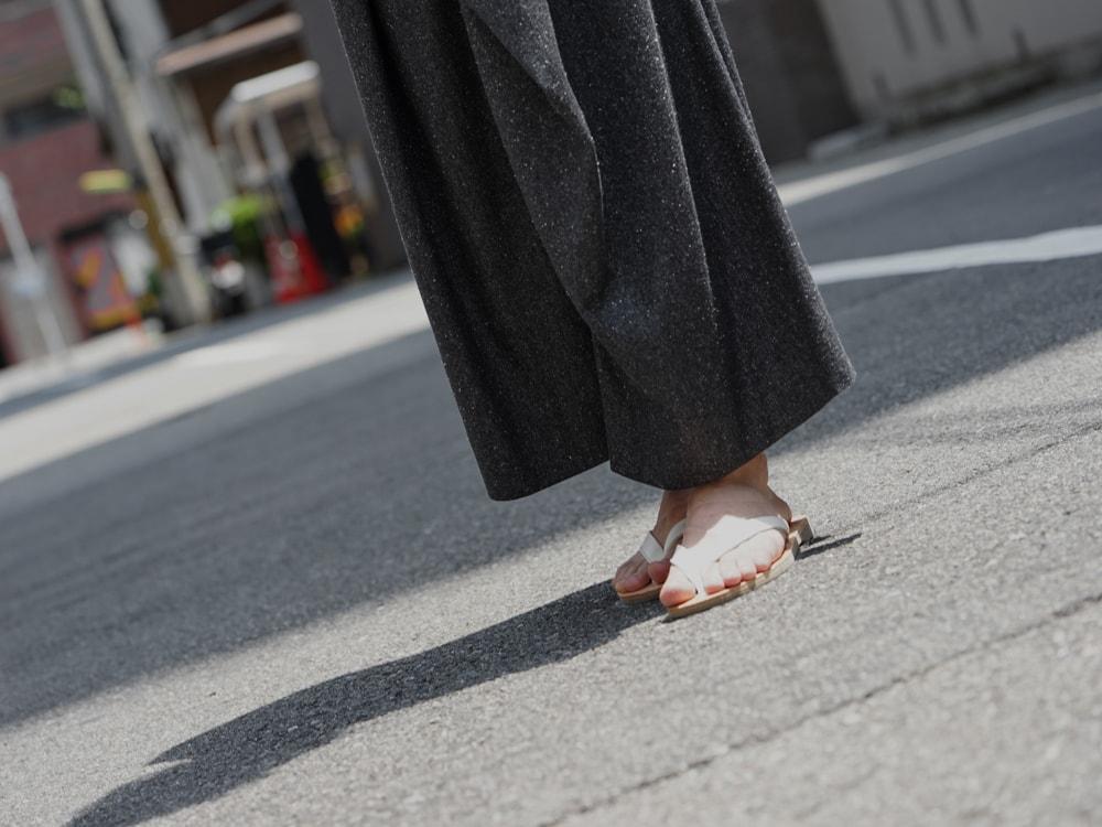 PETROSOLAUM - Leather Sandals White detail 01