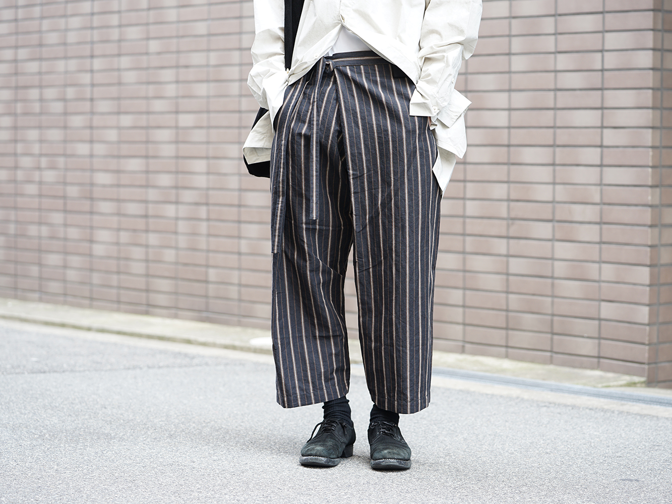 ZIGGY CHEN 19SS Striped Relax cropped pants Style-008