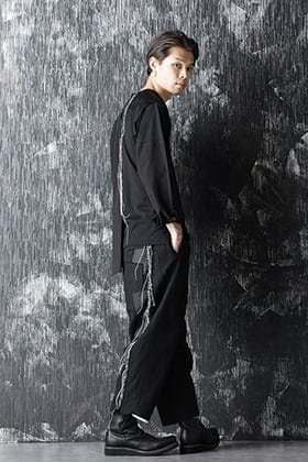 DUELLUM 20-21AW Asymmetric Collarless Shirt and Patchwork Wide Pants Style