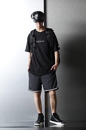 Yohji Yamamoto × New Era 2021春夏 コレクション ビーチスタイリング